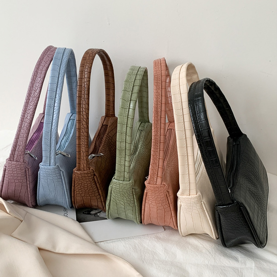 fashion design ladies baguette purse handbags crocodile pattern pu leather women small shoulder bags vintage female underarm bag Crocodile Pattern Women Underarm Bag Vintage Design PU Leather Ladies Small Shoulder Bags Female Tote Baguette Purse Handbags