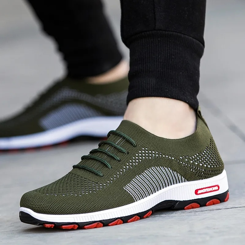 Hole breathable sneakers boys casual street shoes men fashion style classic man shoes 2021 new