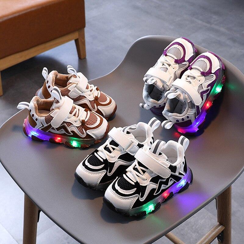 2020 أحذية أطفال خفيفة الوزن ، أحذية سوبر ستار للنساء والرجال ، أحذية عصرية مضيئة بإضاءة Led