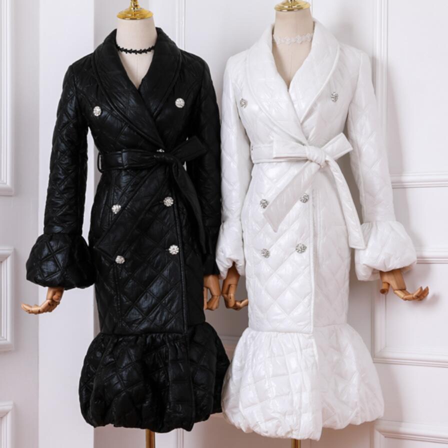 Otoño Invierno moda solapa doble pecho cinturón algodón acolchado abajo chaqueta mujer flare manga bola abrigo vestido