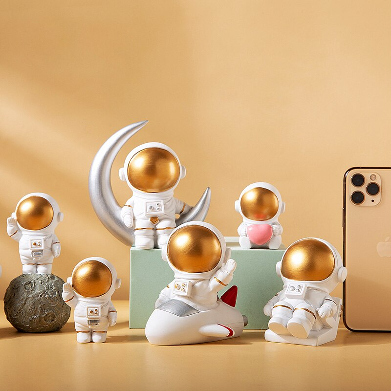 nordic home decoration accessories living room desk decor Figurine miniatures astronaut decorative figures figurine astronaut