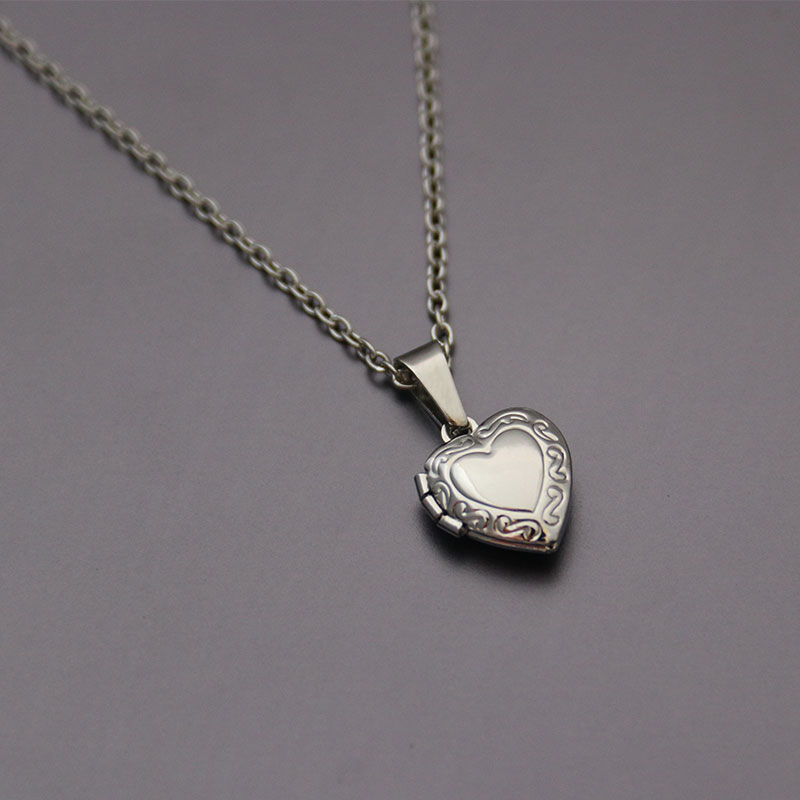 1pc Tiny Heart Photo Frame Pendant Necklace Love Heart Charms Floating Locket Necklaces Women Men Fa