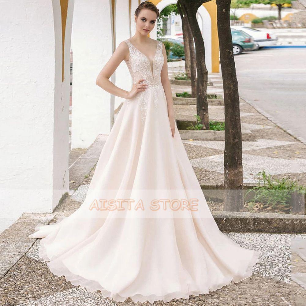 Elegant Champagne Wedding Dresses V Neck Sleeveless Lace Appliques Tulle A Line Sweep Train Beach Bridal Gowns Robe De Mariée