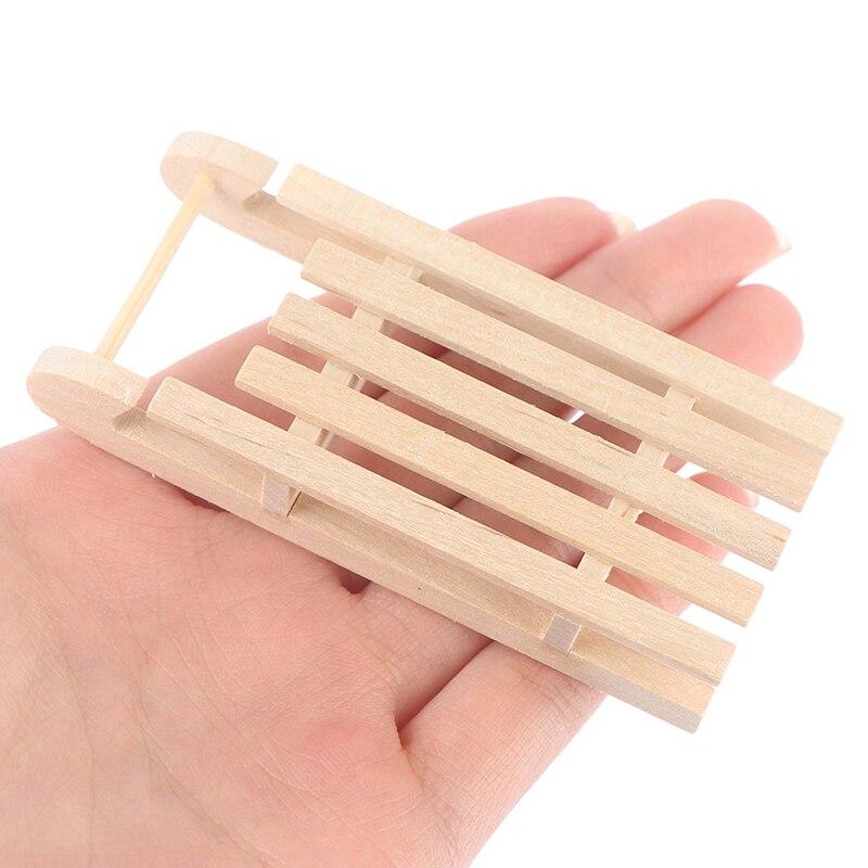 1/12 Mini trineo madera caja de regalo modelo DIY Navidad paisaje de Casa de muñeca de 8,5 cm x 3,2 cm x 1,5 cm