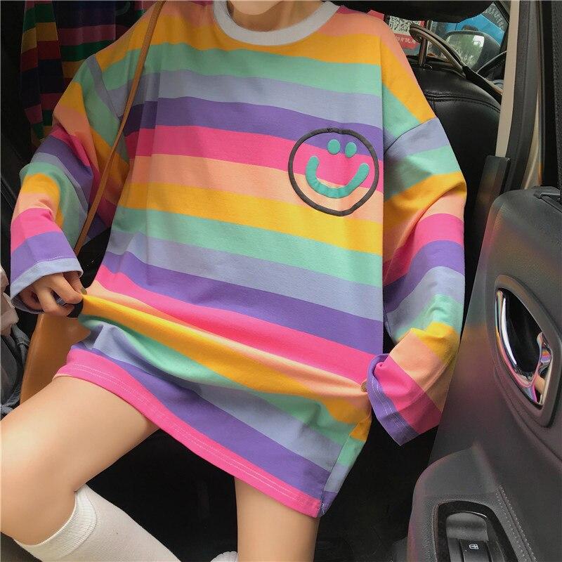 Estilo coreano otoño camiseta de gran tamaño para mujer Ulzzang lindo rayas multicolor camisetas Harajuku suelta mujeres Tops o-cuello camiseta