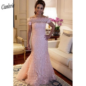Pink Boat Neck Long Lace Mermaid Evening Dress Off The Shoulder Appliques Tiered Pleats Formal Evening Party Dresses