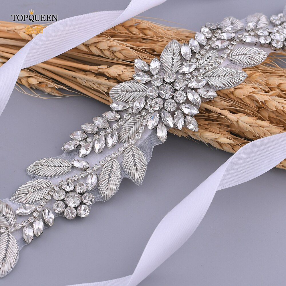 TOPQUEEN-حزام زفاف مطرز بالماس ، حزام لامع مصنوع يدويًا لفستان الزفاف ، مع ميدالية ملكية ، S373