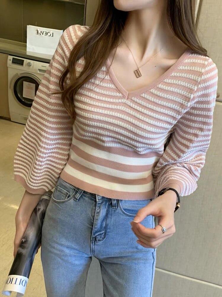 Striped T-shirt women's 2021 spring dress new slim Lantern Sleeve short V-Neck long sleeve top