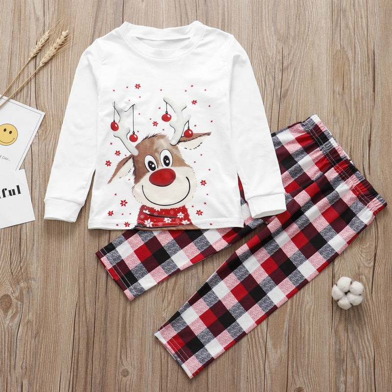 Фото - 2021 Family Matching Christmas Pajamas Father Son Mother Daughter Xmas Sleepwear Cartoon Deer Homewear Mommy and Me Family Look haig m father christmas and me