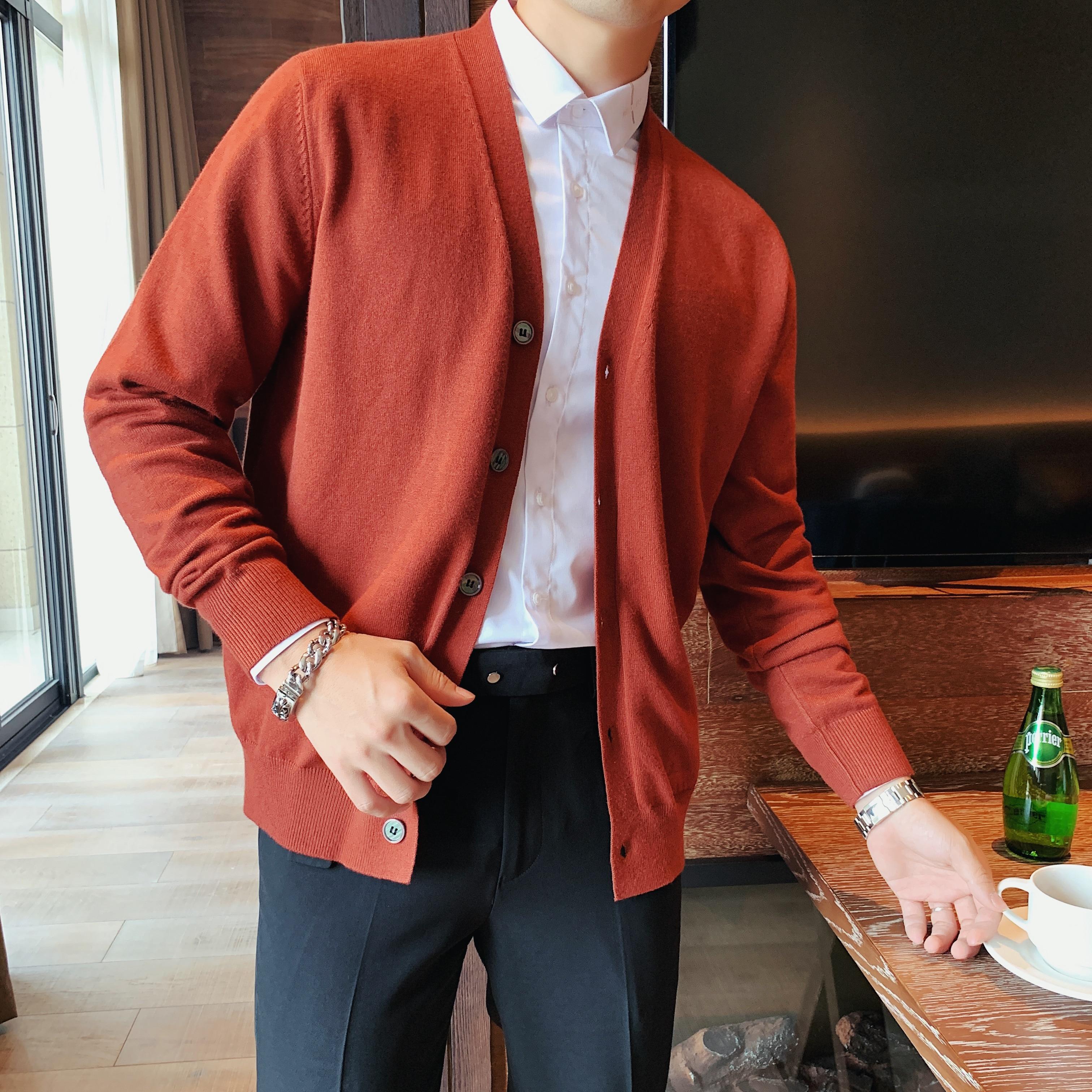 سترة رجالية كورية محبوكة بأكمام طويلة ، سترة غير رسمية برقبة على شكل V ، صدر واحد ، ملابس عصرية ، 2021