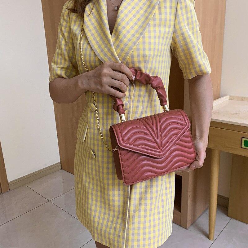 Retro Fashion Handbag 2021 New Embroidered Chain Shoulder Messenger Bag Solid Color Small Square Bag Crossbody Bags for Women