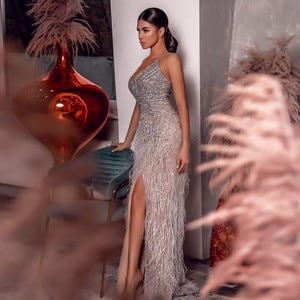 Silver Spaghetti Feather Prom Dresses Deep v Neck Beaded Front Split Evening Gowns Zipper Back Robe De Soiree Formal Party Dress