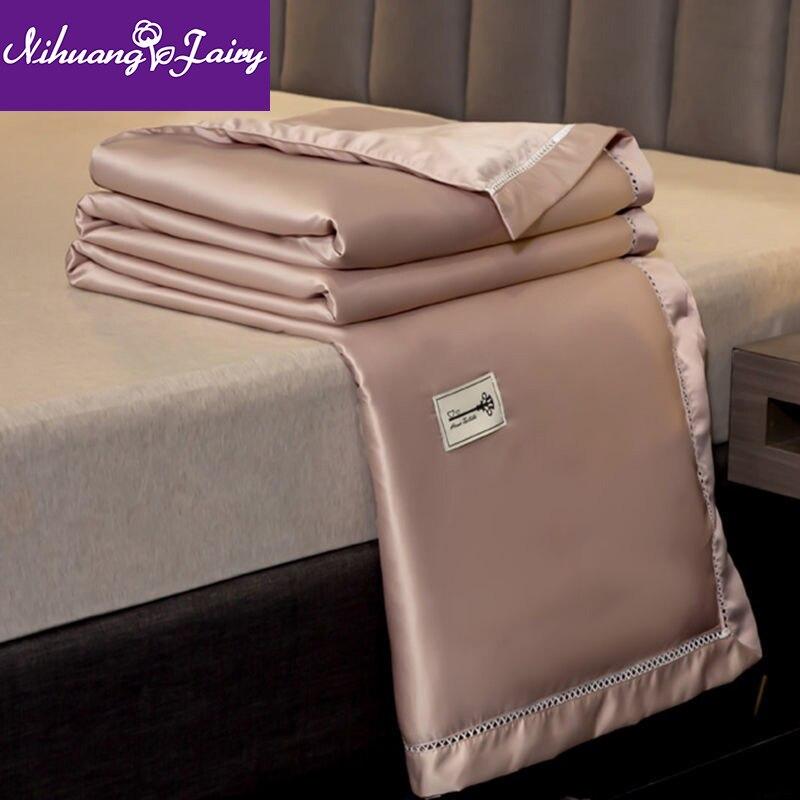 أربع قطع الحرير قابل للغسل الصيف لحاف بارد ، الصيف مزدوجة الجليد الحرير تكييف الهواء لحاف ، رقيقة لحاف صيفي