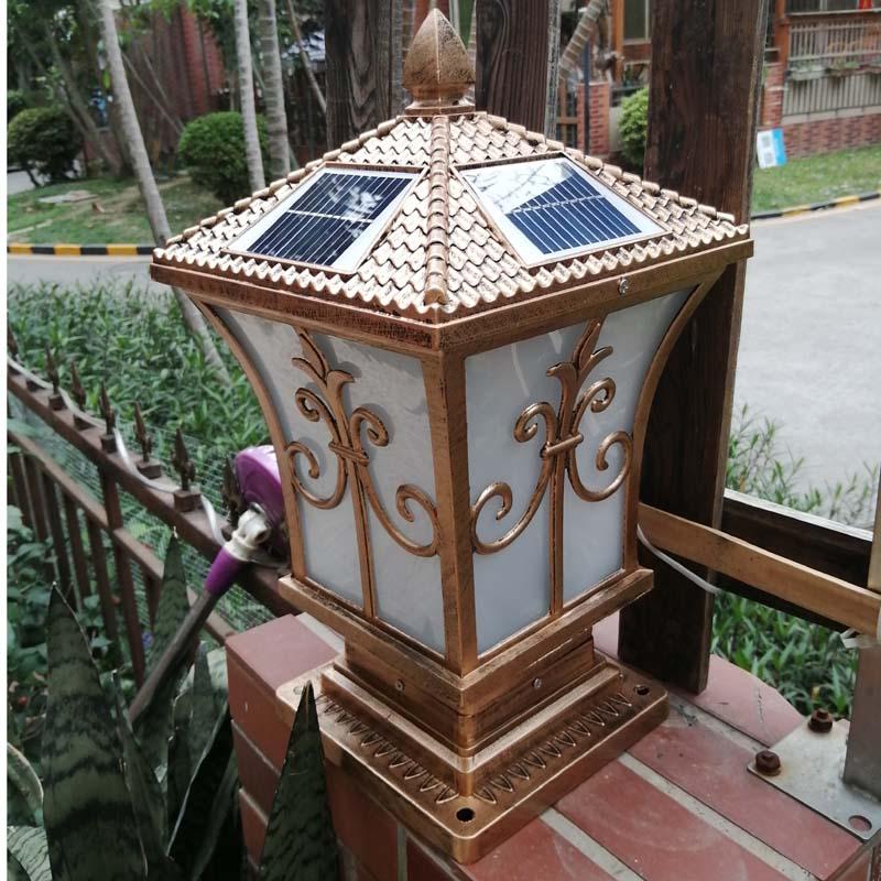 مصباح تصميم عمود شحن الطاقة الشمسية ، ضوء أبيض دافئ في الهواء الطلق ، مثبت على الحائط ، مقاوم للماء ، الشارع ، الحديقة ، الفيلا والبوابة