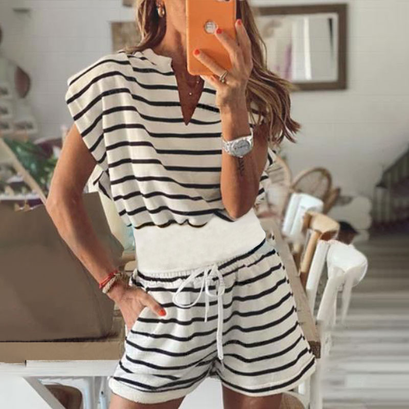 Women's Striped Padded Top Shorts Set Plus Size 4XL Black White Contrast Casual T shirt Drawstring Shorts Suit Summer Streetwear