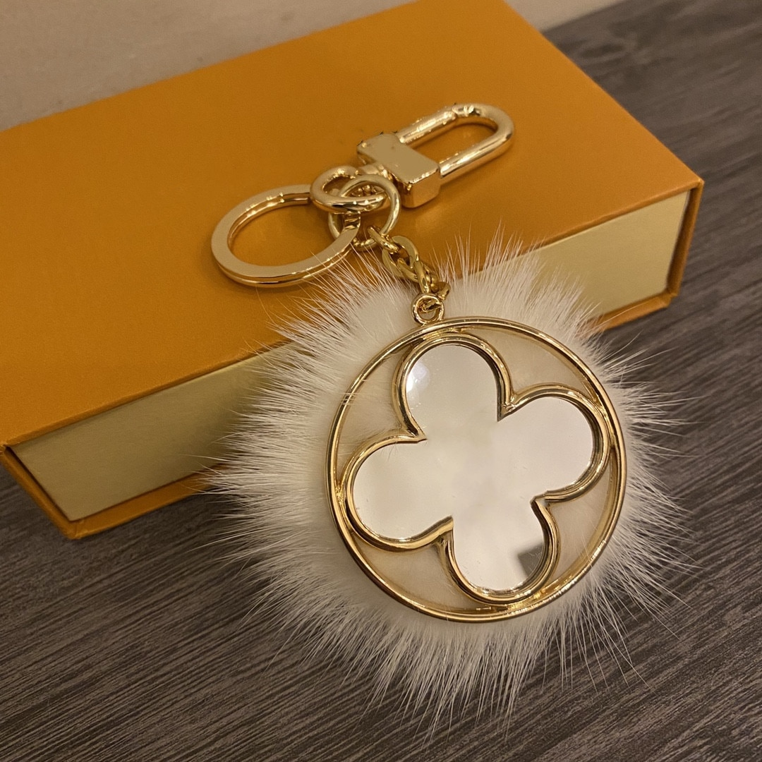 Luxury Brands Leather Lucky Four Leaf Clover Keychain More Style Bag Charm Pendant Keyring Car Key A