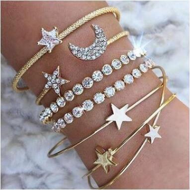 TOUCHEART 4PCS/SET Star&Heart&Moon Bracelets&Bangles For Women Cuff Bracelet Trending Jewelry Love Open Bracelet Femme SBR190464