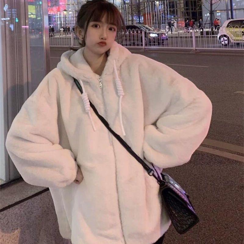 جواكت شتوية امرأة دافئة الصلبة مبطن معاطف Harajuku نمط صوف الضأن سماكة النساء الملابس البرية قمة الموضة