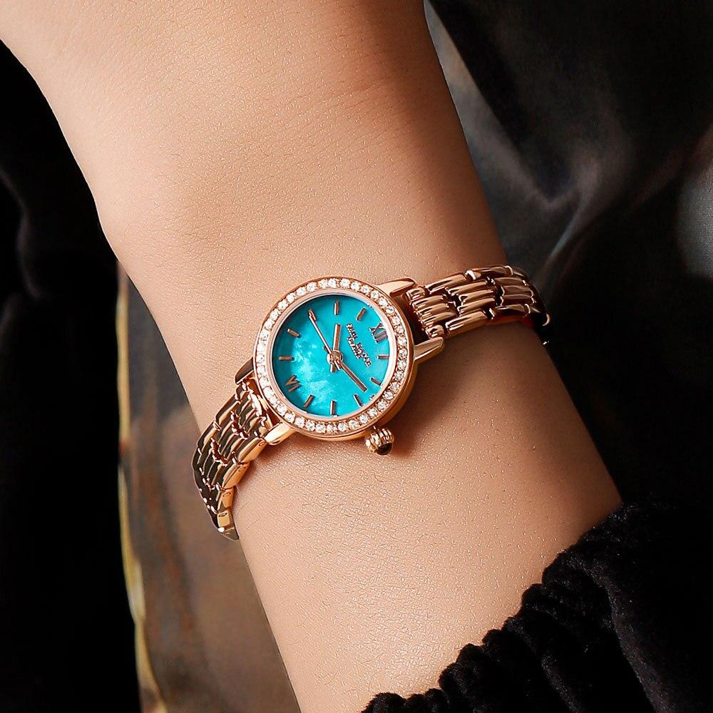 Watch Female Gypsophila Retro Small Gold Watch Temperament Simple Steel Band Ladies Bracelet Watch Quartz Watch Luxury enlarge