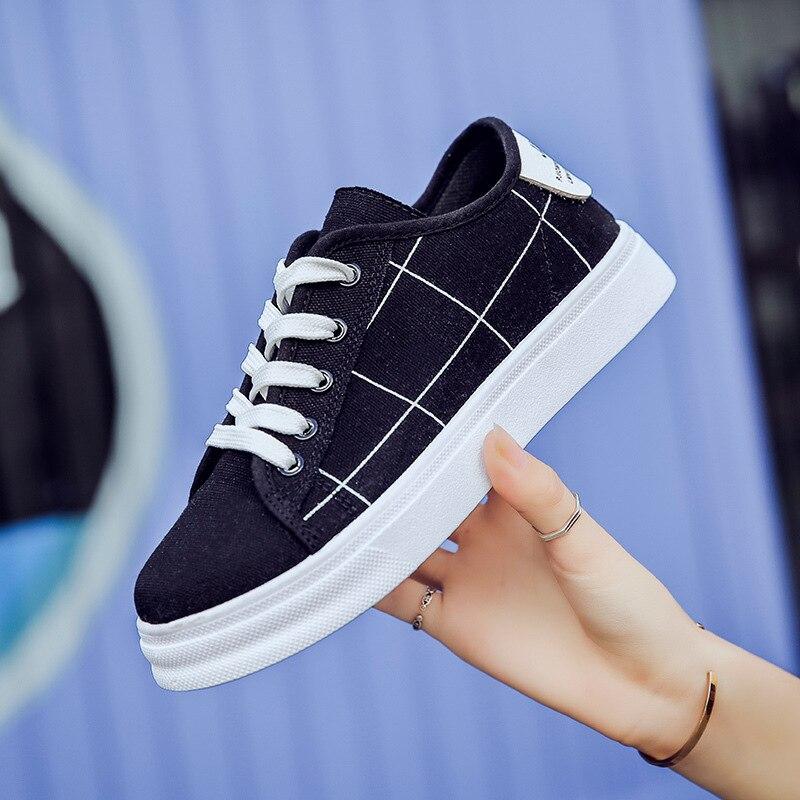 Primavera Verano ins super fire zapatos de lona mujer estilo Harajuku joker estudiantes coreanos cordones antideslizantes planos pequeños zapatos negros