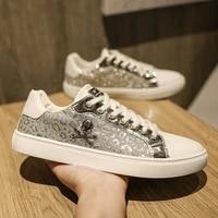 new brand luxury men casual shoes designer glitter mirror men casual sneakers comfort white flat sneakers men zapatilla hombre