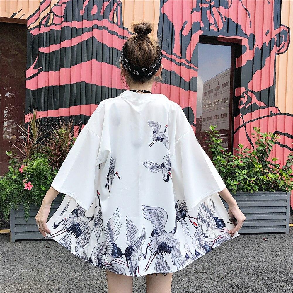 Kimono japonés de tipo yukata mujeres Japón grúa impreso Kimono Cardigan hombres Asia sol protección camisa Unisex Top