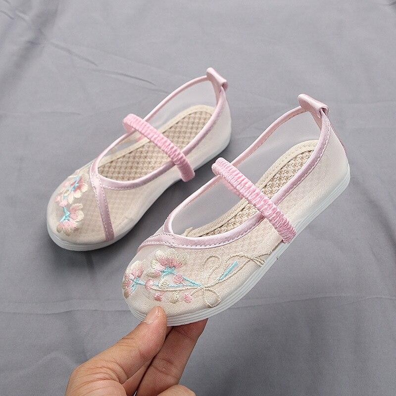 Zapatos Koovan para niños 2020, zapatos de malla transpirable, zapatos bordados de estilo chino para niñas, sandalias de verano de estilo nacional para niños
