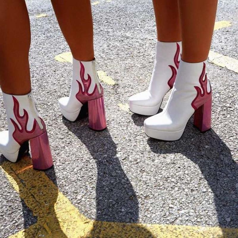 حذاء بوت قصير من الجلد اللامع للنساء ، حذاء برقبة دائرية مع كعب سميك ، مطرز بسحاب