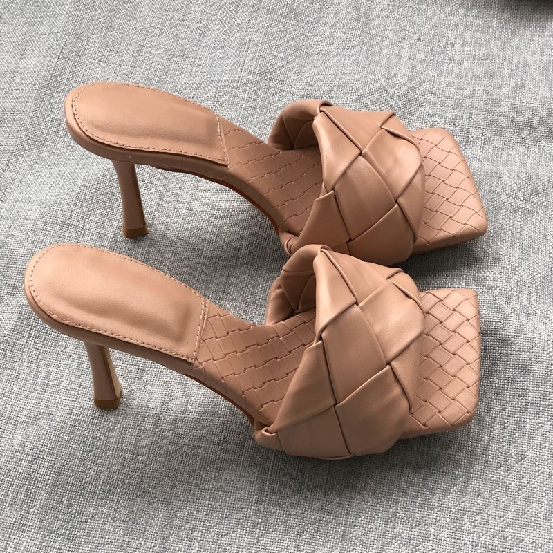 2021 Fashion Square Toe Weave High Heels Shoes Women Slippers Leather Luxury Designer Ladies Street Beach Sandals Slides Shoes недорого