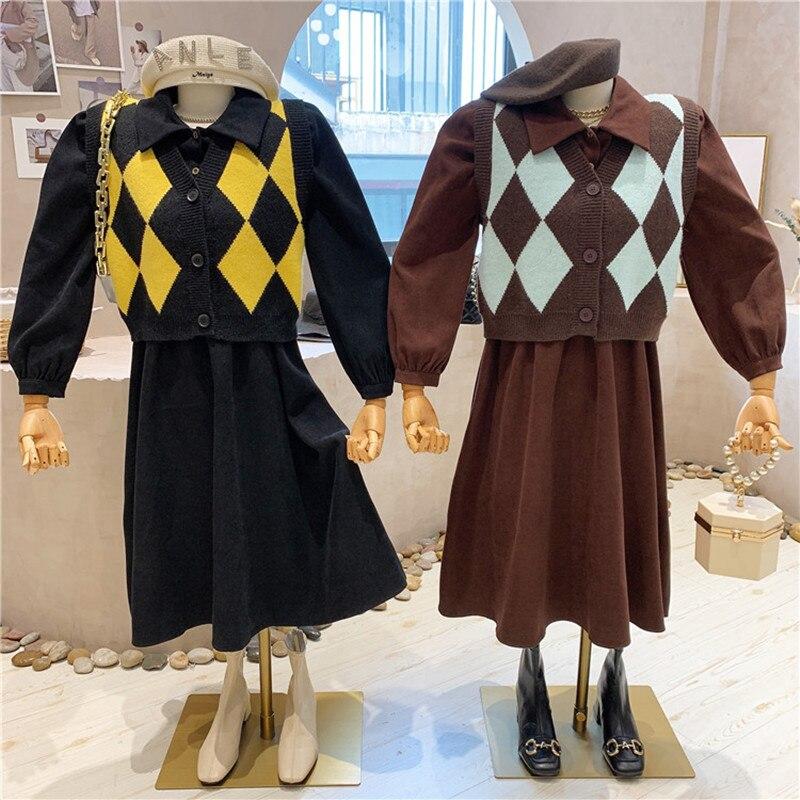 ملابس نسائية جديدة موضة خريف وشتاء 2021 سترة محبوكة منقوشة سترة صوفية + فستان قصير من قطعتين