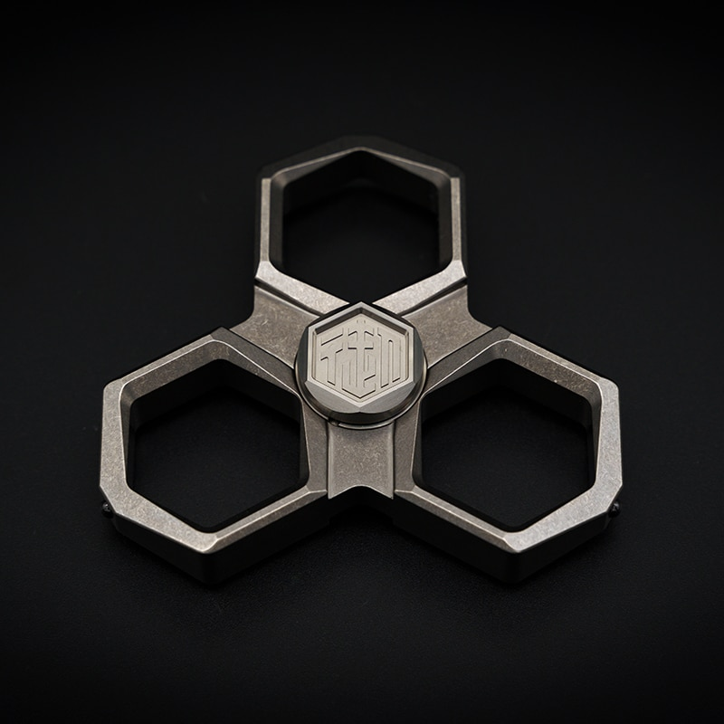 Yu Multifunctional Fingertip Gyro Broken Window Metal Brass Knuckle Defense Portable Decompression Toy EDC enlarge
