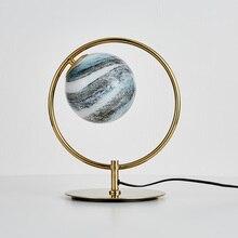 Lámpara de mesa de Metal creativa posmoderna para sala de estar junto a la sala de estudio iluminación de mesa de bola de vidrio estrella de muestra de diseñador