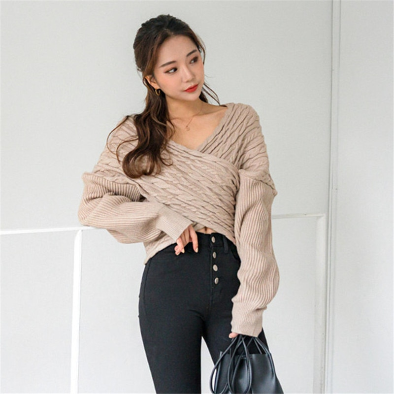 Cross V-neck sexy off-shoulder pullover sweater 2020 new fashion spring autumn women's elegant knitted top loose knitted sweater new ins sexy off shoulder copper buckle knitted off shoulder top