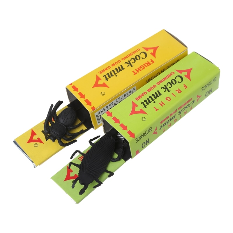 2PCS Cockroach Spider Chewing Gum Joke Shock Startle Toys Novel Toy  Q6PD