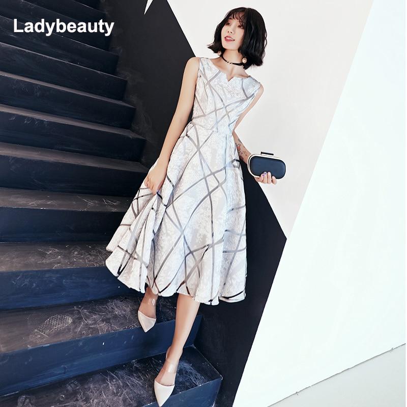 Ladybeauty yeni varış lüks Scoop yaka kolsuz nakış fermuar kokteyl elbiseleri A-line çay boyu resmi elbise