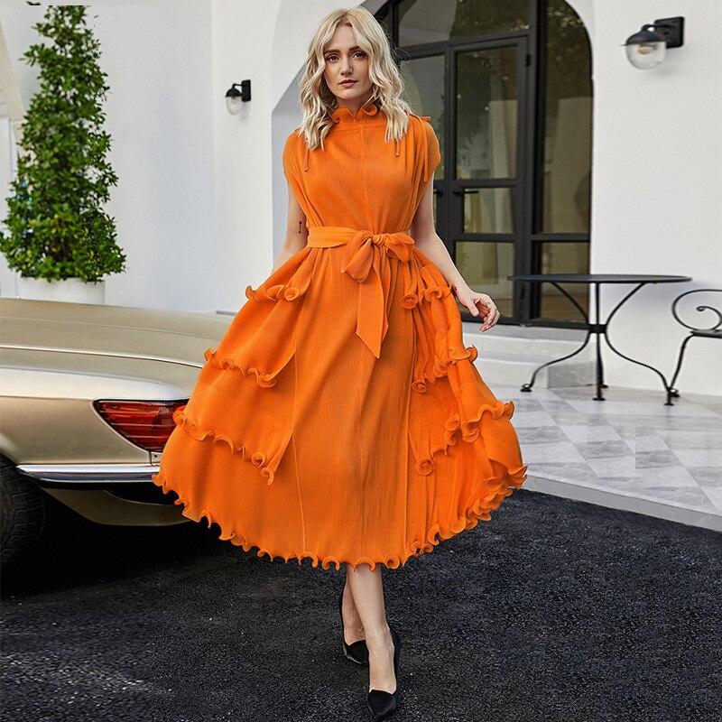 فستان بتصميم أنيق لموسم خريف 2021 للنساء بتصميم جديد وبرتقالي وأحمر من Roes بدون أكمام مع حزام فساتين أنيقة ضيقة