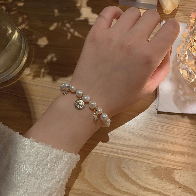 Simple Graceful Natural Shaped Pearl Bracelet for Women Ins Special-Interest Design Portrait Coin Pe