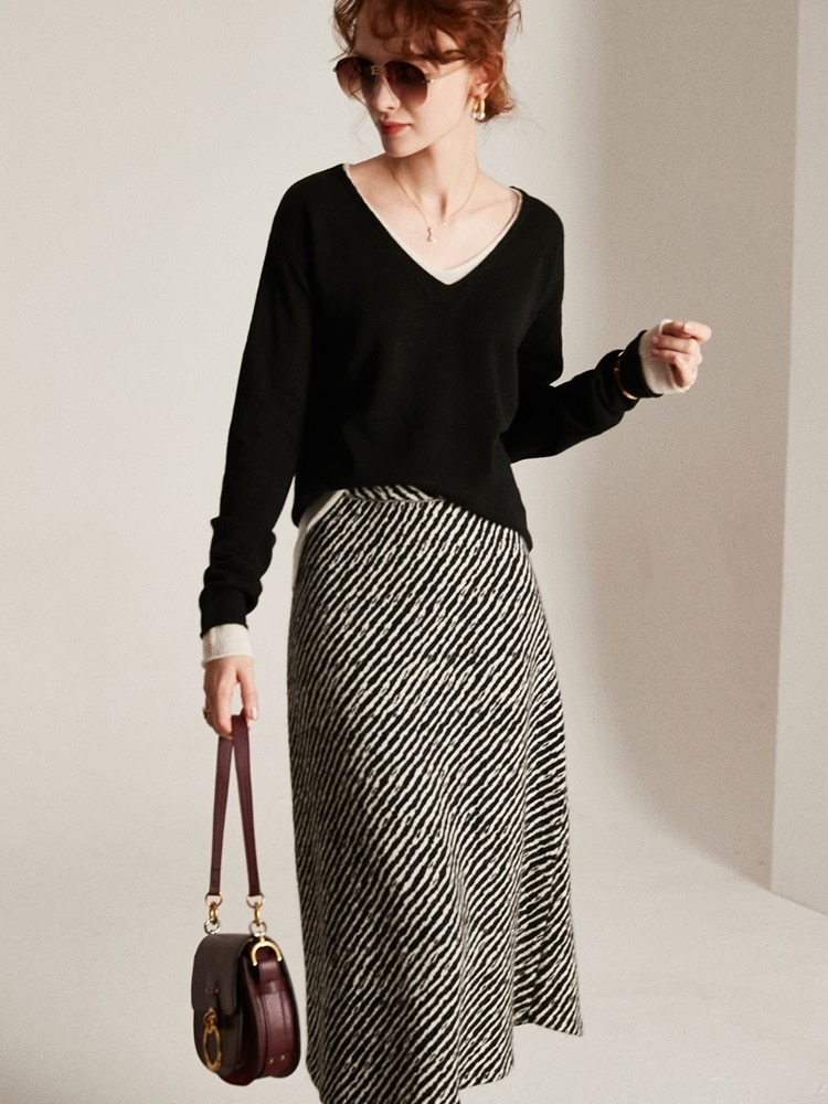 Tailor Shop Custom Made Exquisite Light Luxury Pure Cashmere Women's V-neck Fake Two-piece Bottoming Pullover Sweater enlarge