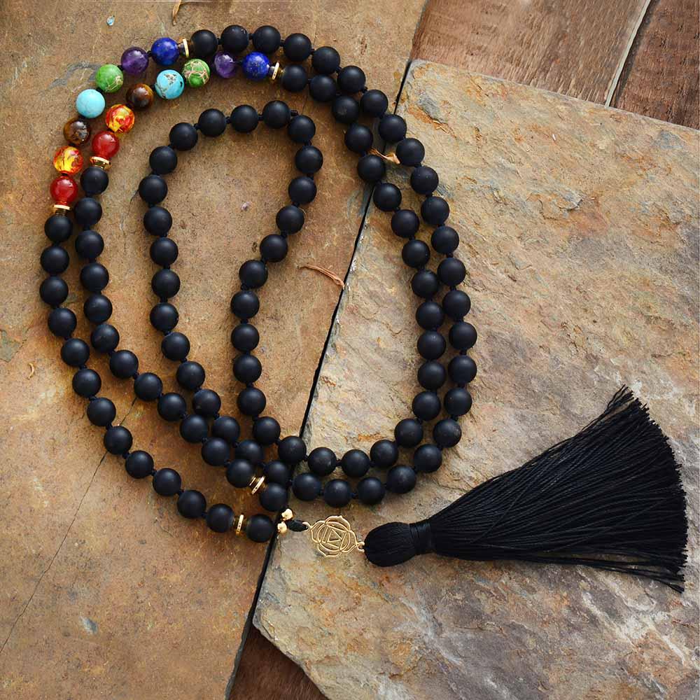 Nuevo Chakras 108 cuentas Mala mate ónix 7 piedras de Color Reiki encanto borla collar de cuentas anudado meditación Yoga collar Dropship
