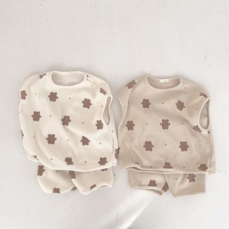 2017 new summer baby clothing set cotton cute pattern vest 2021 Summer New Baby Clothes Set Girls Cute Bear Print Vest Tops + Shorts Suit 2pcs Toddler Boys Bear Pattern Clothing Set