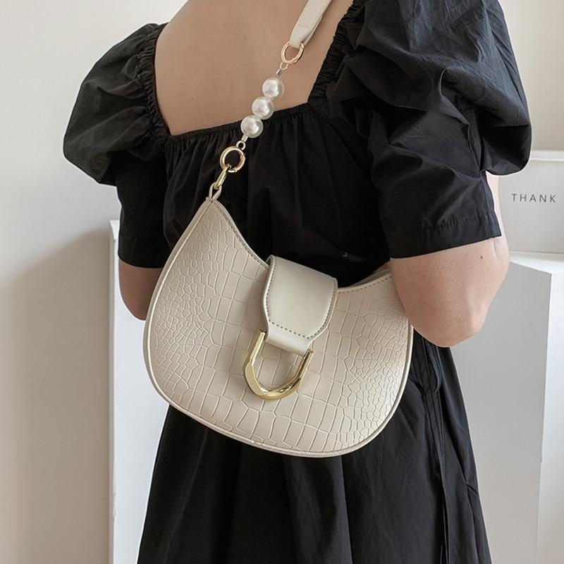 Crocodile Pattern Saddle Shape Bags for Women Beige Pu Leather Shoulder Armpit Bag Female Designer Small Half Moon Crossbody Bag
