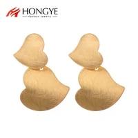 hongye trendy punk metal gold color love heart drop dangle earrings for women classic vintage bijoux jewelry accessories gift