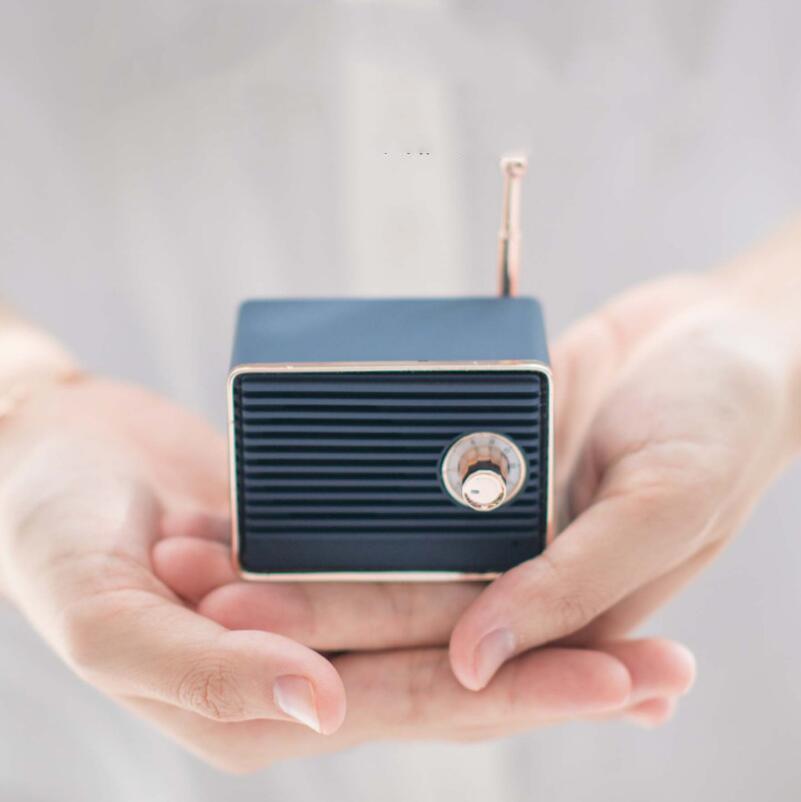 Creative Retro Audio Outdoor Portable Mini Bluetooth Speaker FM Radio enlarge