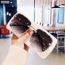 Nuovi occhiali da sole quadrati raffinati senza montatura per donna personalità della moda occhiali da sole bicolore Web Celebrity la stessa tendenza Glasse