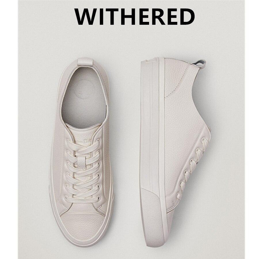 Withered 2021 انجلترا Vinatge موضة لينة جلد البقر أحذية مفلكنة النساء أحذية رياضية النساء الصيف حذاء قماش غير رسمي امرأة