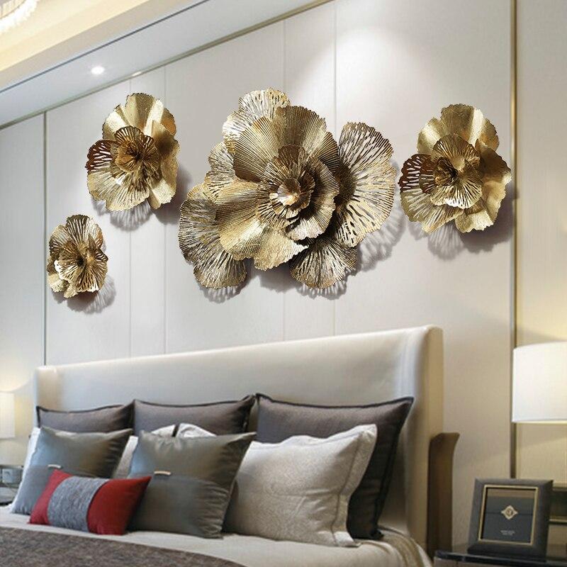 Decoración de pared de flores 3D dorada moderna de hierro forjado, decoración de Mural para el hogar, sala de estar, manualidades para colgar en la pared del porche del Hotel, adornos adhesivos