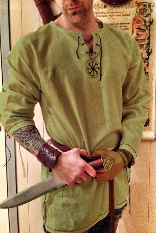 Средневековый рубашка халат Viking Для мужчин платье В рыцарском стиле ренессанс хлопковое Туника короткий рукав рубашки топы из мультфильма,...