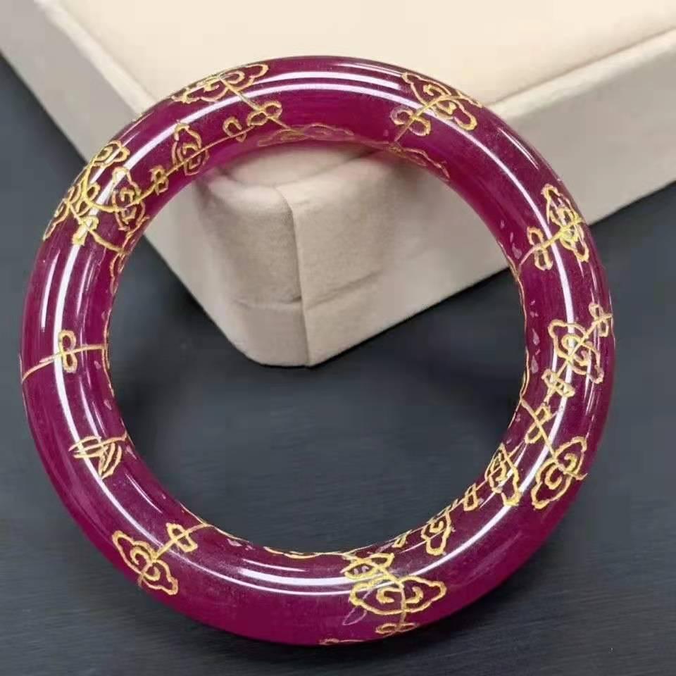 100% الطبيعية حجر اليشم الأحمر سوار اليد نحت الجاديت أساور مجوهرات الزمرد السيدات إضافة شهادة