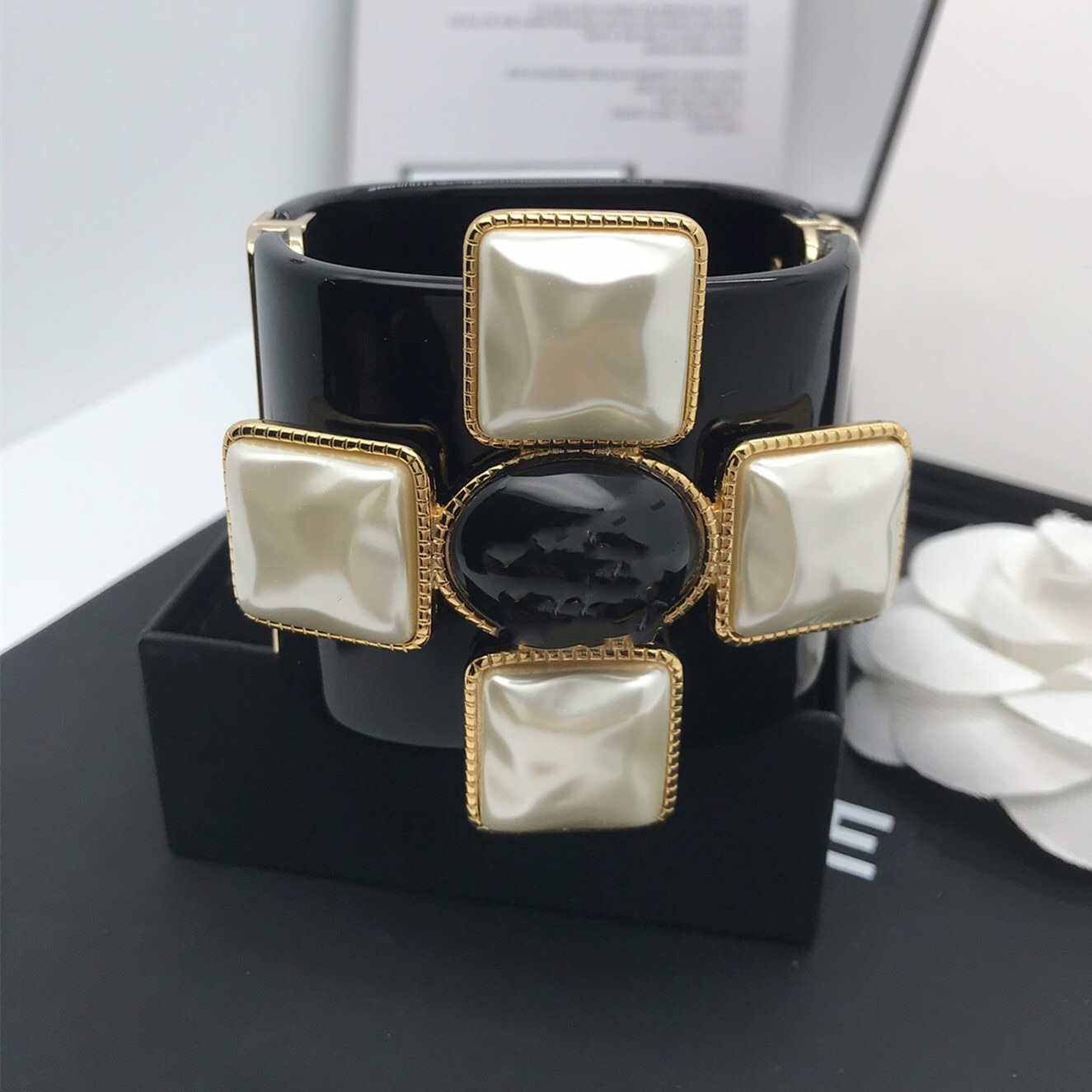Promo Luxury Designer Brand Stamp Black Resin Alphabet Europe Cuff Gothic Bracelets Bangles Pearl Crystal  for Women Jewelry Gift