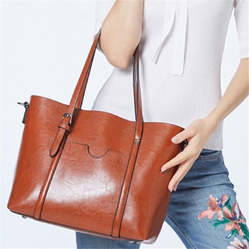 Большая вместительная сумка из искусственной кожи с масляным воском